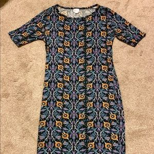 Almost like new worn once LuLaRoe Julia dress sz M